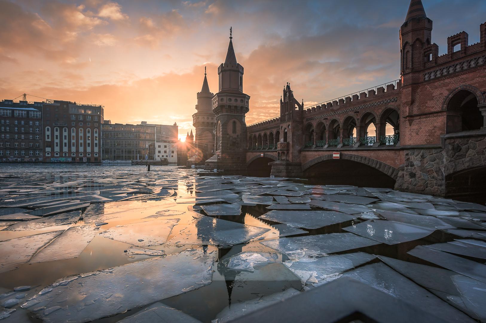 Berlin, Oberbaumbrücke, Bridge, Architektur, Architecture, Ice, Eis, Eisschollen, Sunset, Sonnenuntergang,