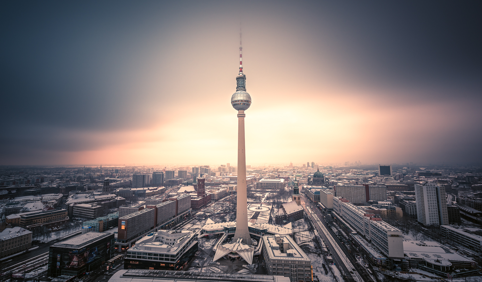 Berlin, TV Tower, Fernsehturm, Sunset, Sonnenuntergang, Blue Hour, Blaue Stunde, Lights, Citylights, Skyline
